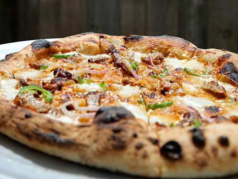 Stop the h-anger! Stanley's Farmhouse Pizza expands food hours